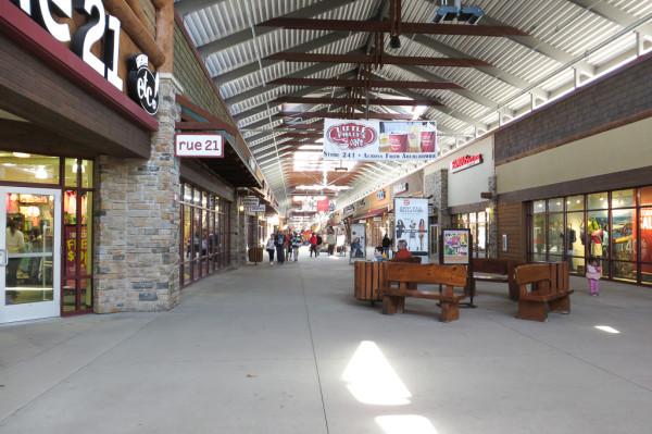 Wisconsin Dells - Tanger Outlet